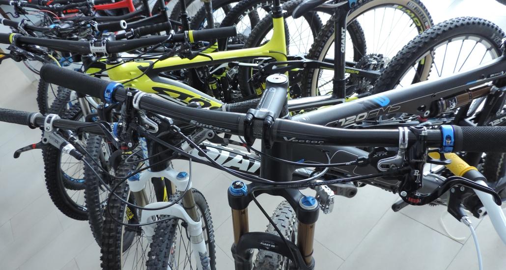 023d77f119 Predajňa nových a jazdených bicyklov od hliníkových detských po karbónové  fully a cesťáky. Samozejmosťou sú komponenty